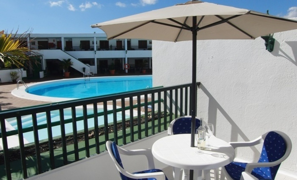 Ground floor apartment with communal pool in the Old Town of Puerto del Carmen - Puerto del Carmen - lanzaroteproperty.com