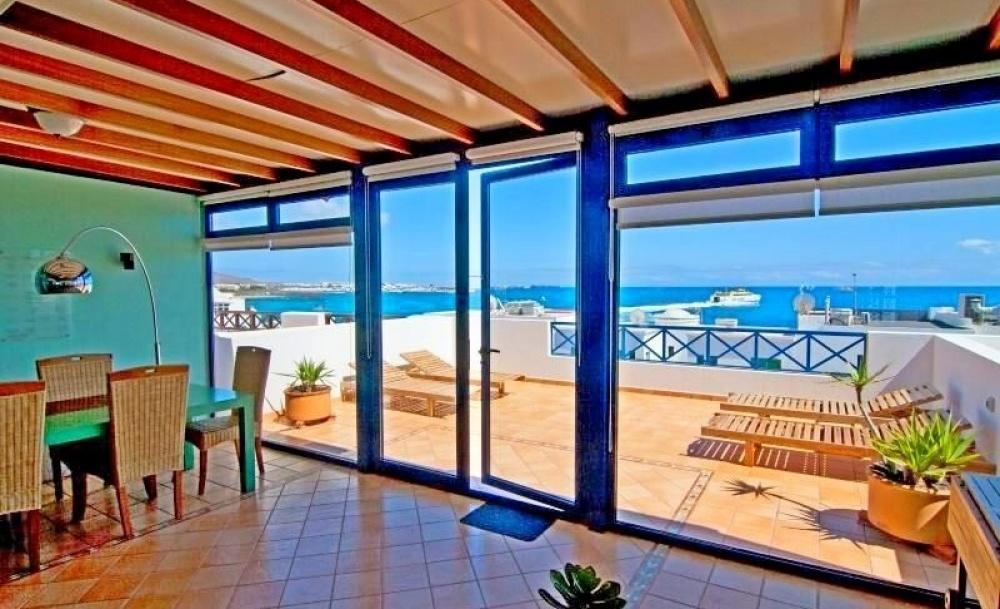 Spacious 3 bedroom 2 bathroom apartment for sale in Playa Blanca - Playa Blanca - lanzaroteproperty.com
