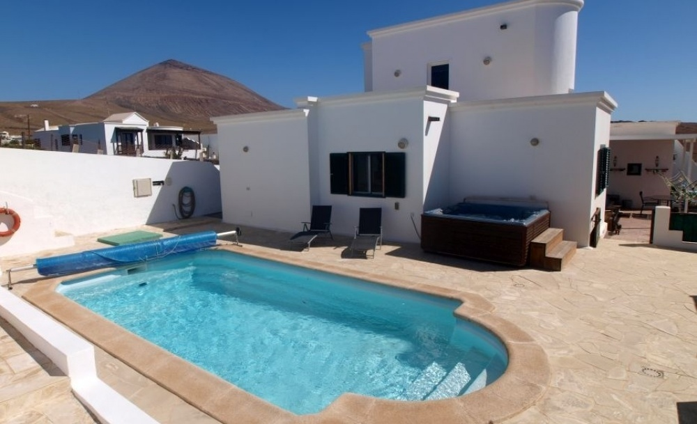 Beautiful detached villa for sale in Tias - TIAS - lanzaroteproperty.com