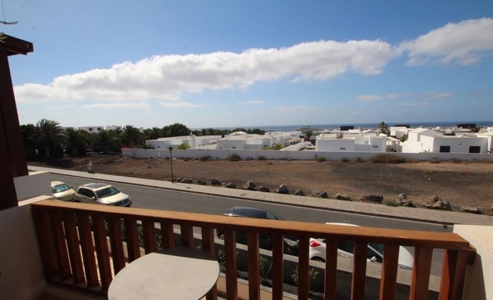 3 Bed 2 bath property with 2 parking spaces in Puerto Calero - Puerto Calero - lanzaroteproperty.com