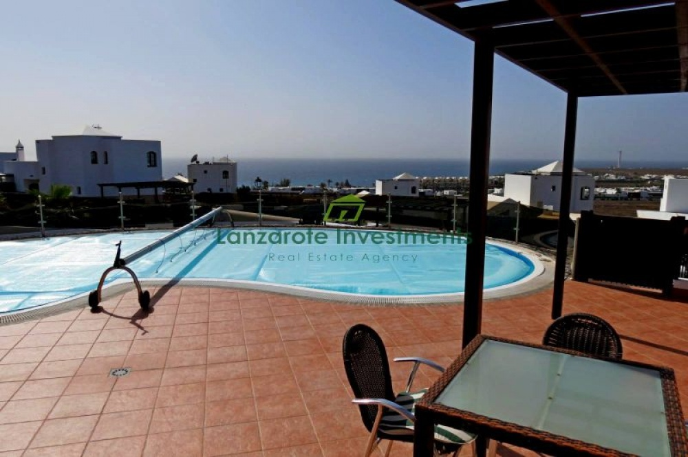 5 bedroom villa with private pool for sale in Playa Blanca - Playa Blanca - lanzaroteproperty.com