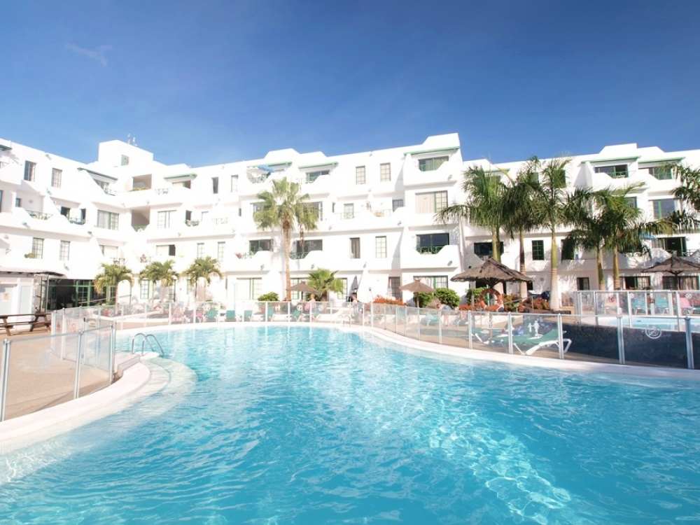 Lovely apartment with communal pool for sale in Puerto del Carmen - . - lanzaroteproperty.com