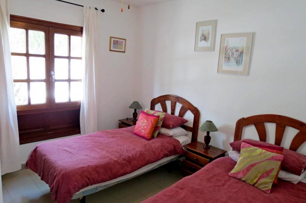 2 bedroom bungalow with communal pool for sale in Playa Blanca - Playa Blanca - lanzaroteproperty.com