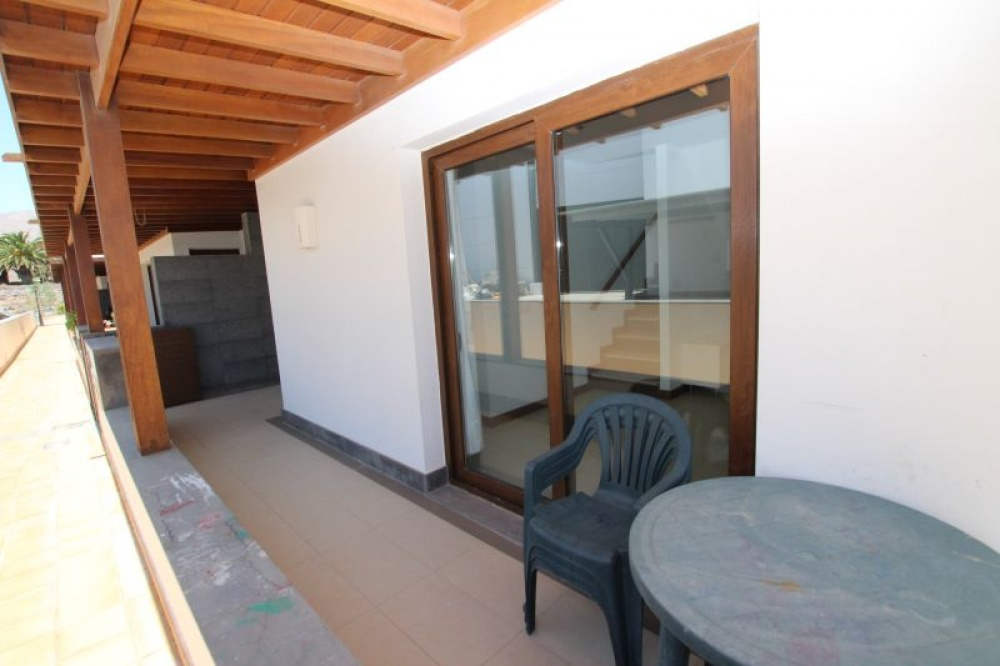 2 bedroom duplex with communal pool in Puerto Calero - Puerto calero - lanzaroteproperty.com