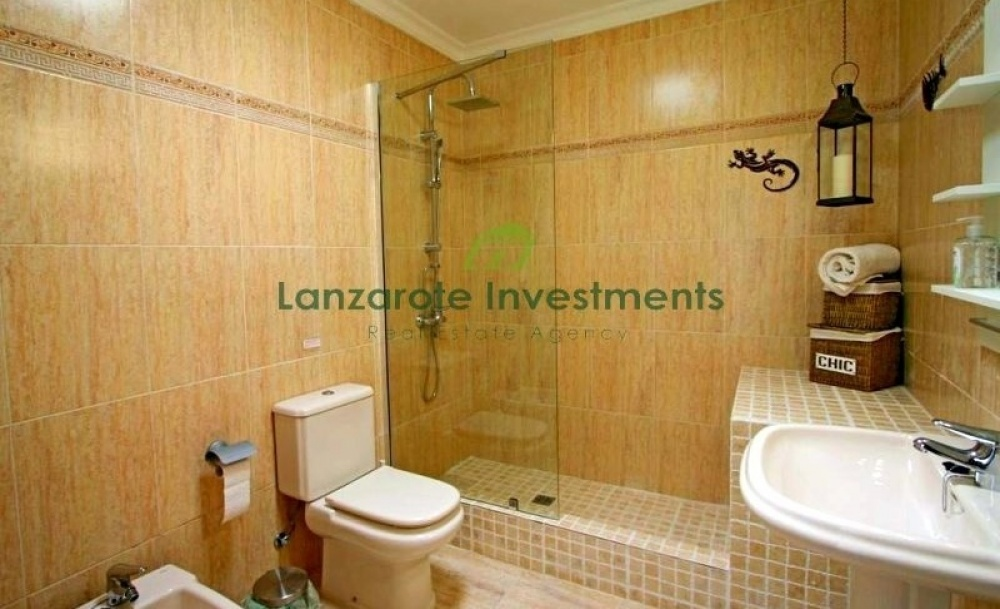 4 bedroom villa for sale in Los Mojones with private heated pool - Los Mojones - lanzaroteproperty.com
