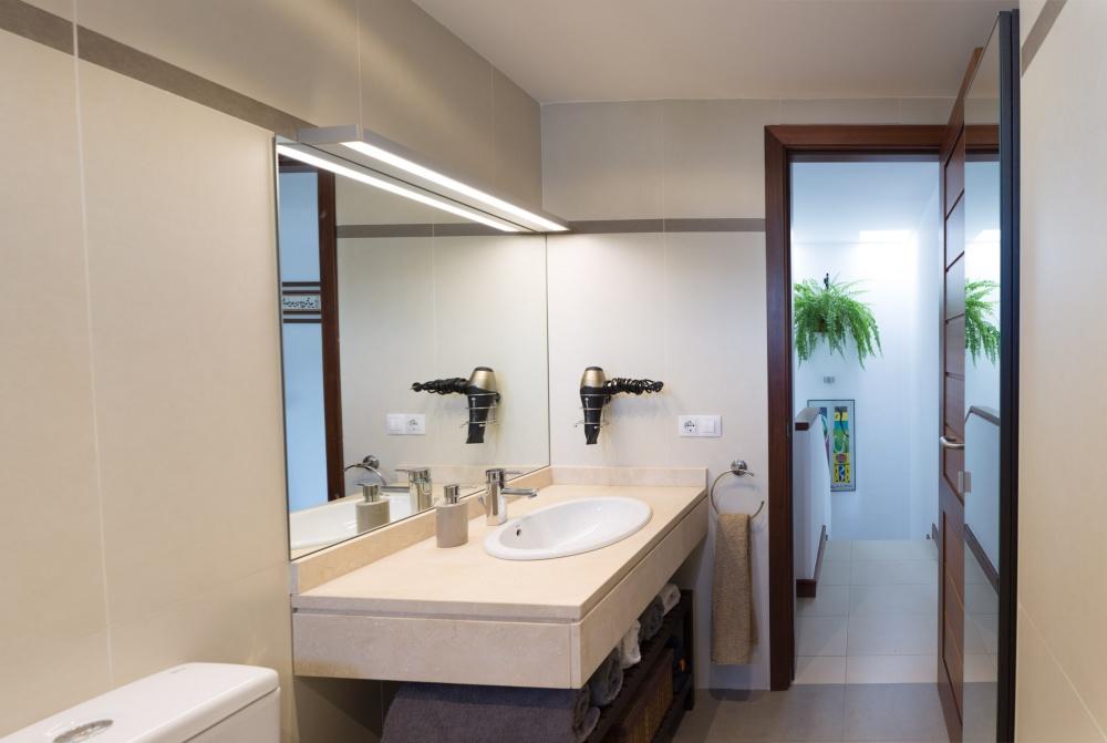 2 bedroom duplex for sale in Puerto Calero - Puerto Calero - lanzaroteproperty.com