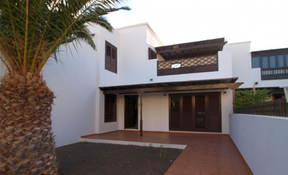 Excellent 3 Bedroom House in Costa Teguise - Costa Teguise - lanzaroteproperty.com