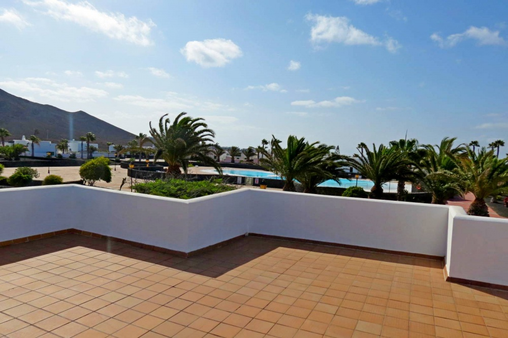 2 bedroom detached villa with spacious terrace for sale in Playa Blanca - Playa Blanca - lanzaroteproperty.com