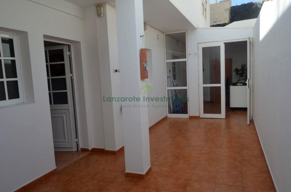 3 Bedroom Apartment in Tias - tias - lanzaroteproperty.com