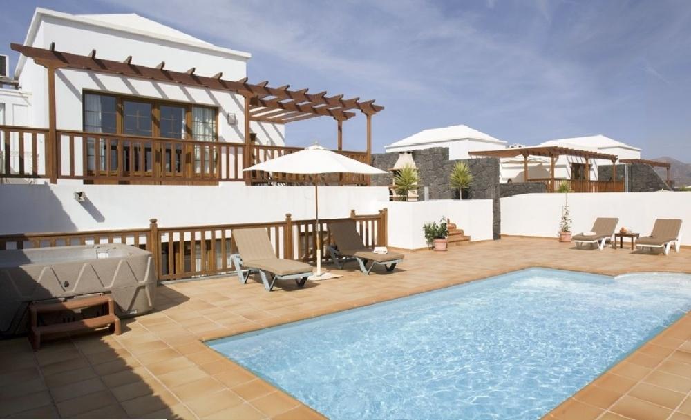 Brand new Luxury Villas with Private Pools - Playa Blanca - lanzaroteproperty.com