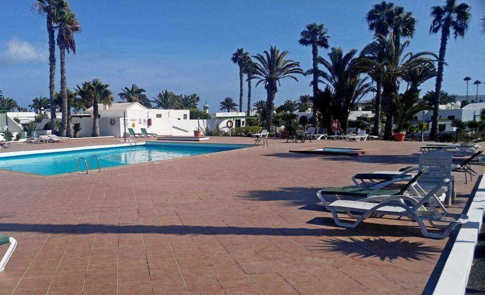 Boasting a superb location this 1 bedroom bungalow in Playa Blanca - Playa Blanca - lanzaroteproperty.com