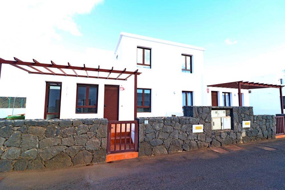 Semi-detached villas with private pools for sale in Playa Blanca - Playa Blanca - lanzaroteproperty.com