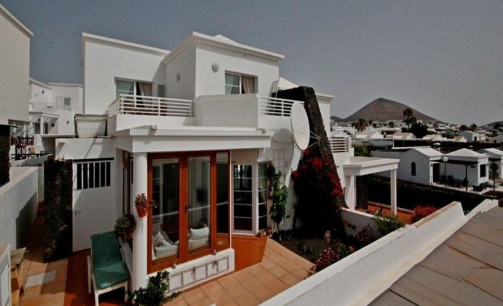 Beautiful 3 Bedroom Townhouse in Tias Village - Tias - lanzaroteproperty.com