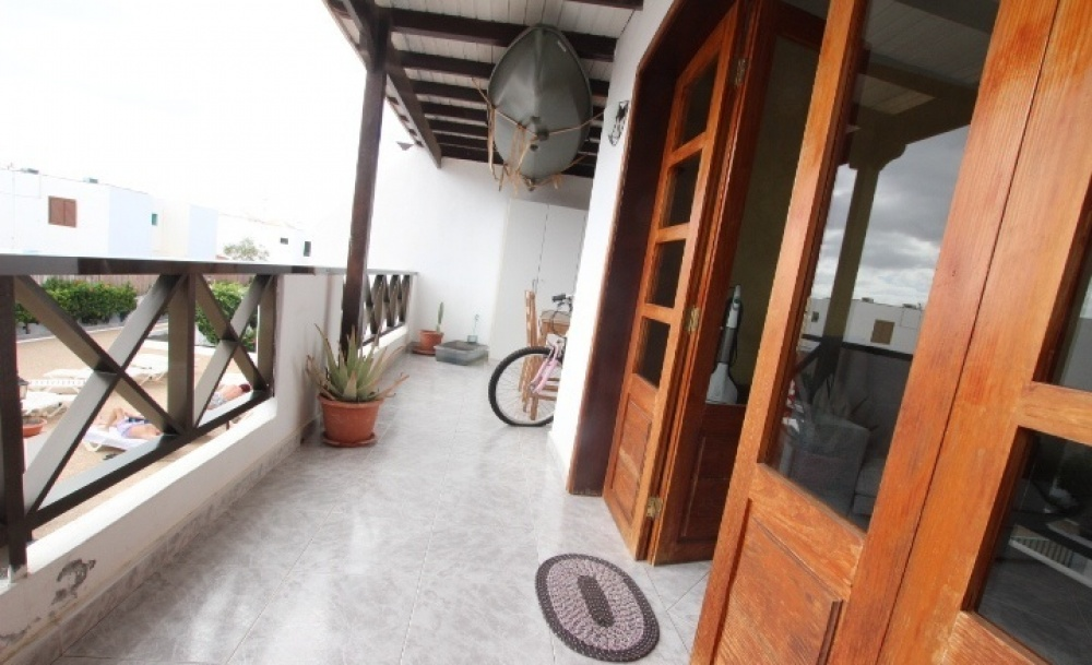 2 Bedroom 1 bathroom apartment ideally located for sale in Puerto del Carmen - Puerto del Carmen - lanzaroteproperty.com