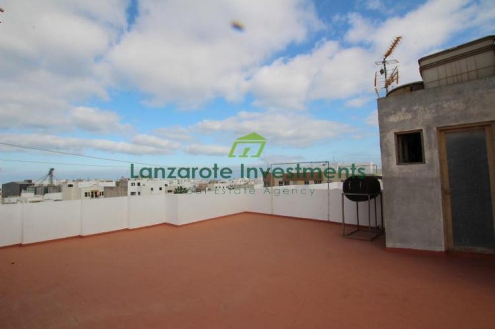 Large three bedroom apartment for sale in Arrecife - Arrecife - lanzaroteproperty.com