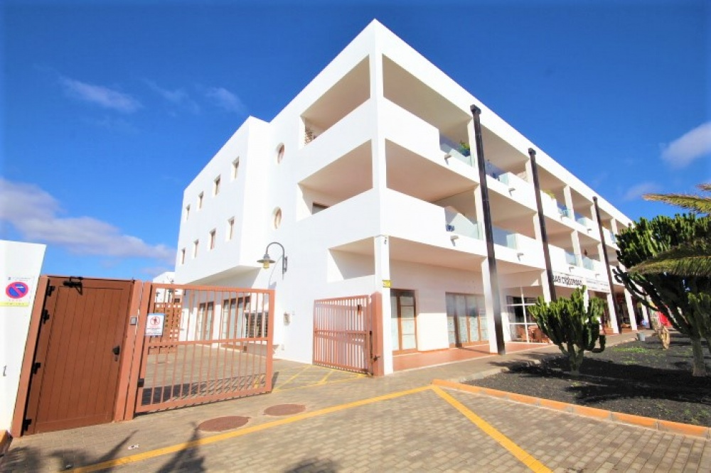 3 bedroom 3 bathroom duplex with communal pool in Costa Teguise - Costa Teguise - lanzaroteproperty.com