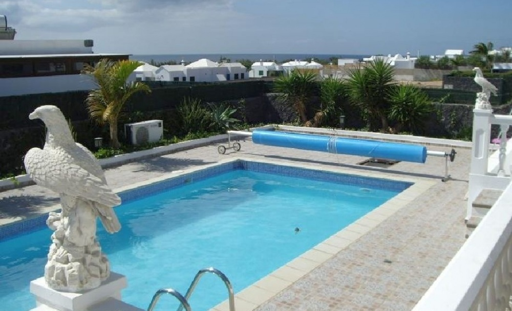 Beautiful 3 Bedroom Villa with Pool and Sea Views for Sale - Playa Blanca - lanzaroteproperty.com