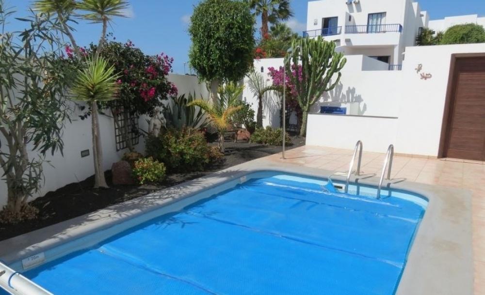 2 Bedroom Townhouse in Marina Rubicon - Playa Blanca - lanzaroteproperty.com