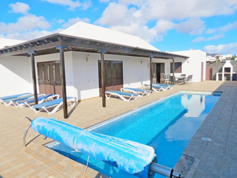 4 Bedroom detached villa for sale in Playa Blanca - Playa Blanca - lanzaroteproperty.com