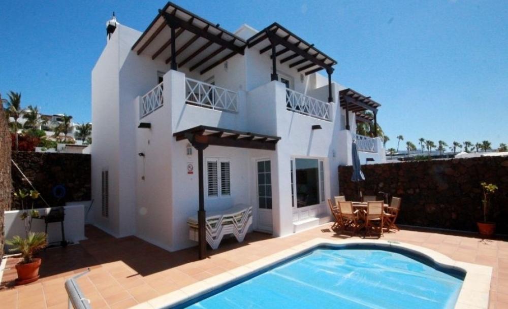3 Bedroom Villa with Sea Views - Puerto del Carmen - lanzaroteproperty.com