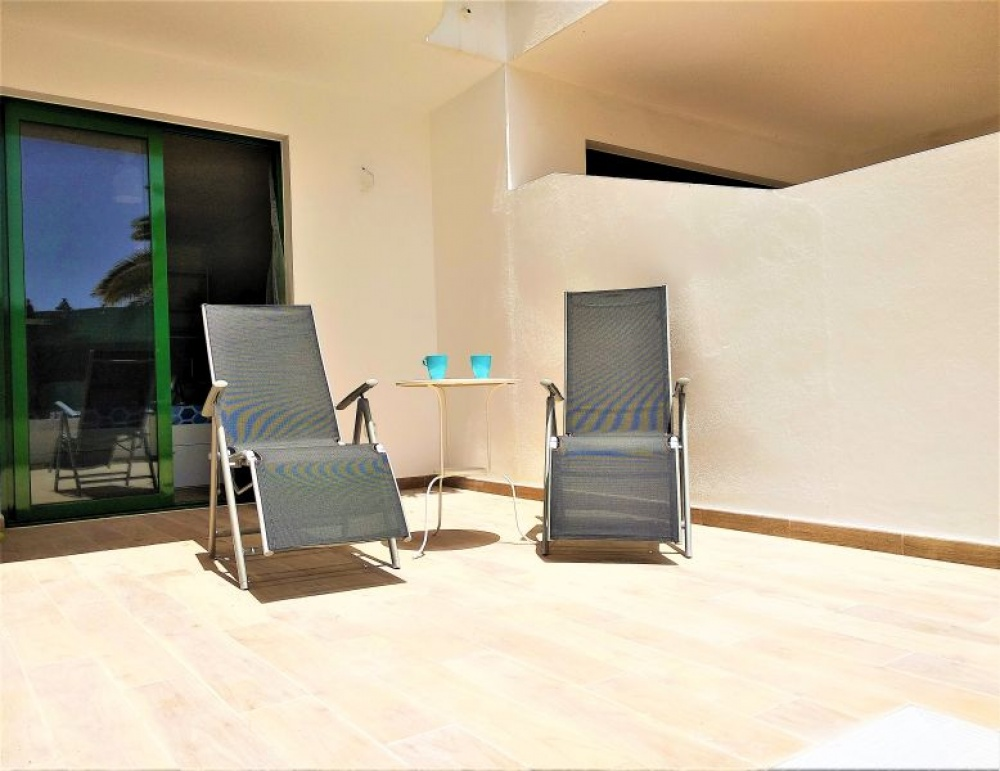Refurbished studio apartment close to the beach for sale in Costa Teguise - Costa Teguise - lanzaroteproperty.com