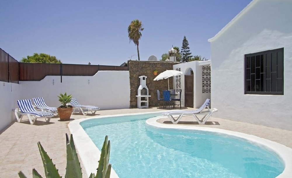 3 Bedroom Villa with Private Pool - Los Mojones, Puerto del Carmen - lanzaroteproperty.com