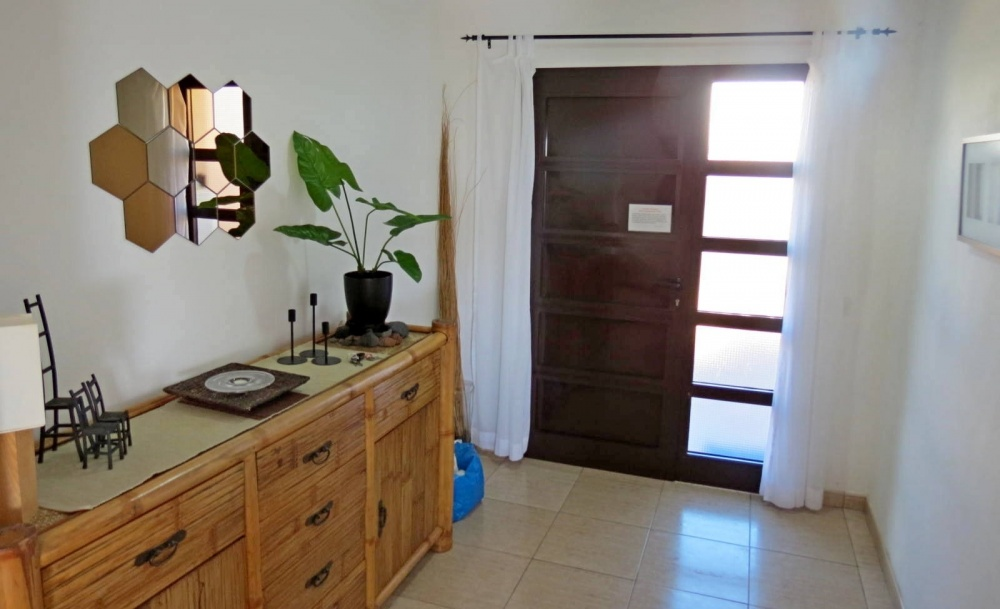 Stunning semi detached 3 bedroom villa with private pool in Playa Blanca - Playa Blanca - lanzaroteproperty.com