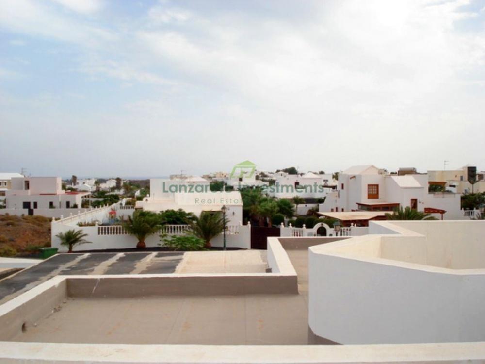 5 bedroom villa for sale in Costa Teguise - Costa Teguise - lanzaroteproperty.com