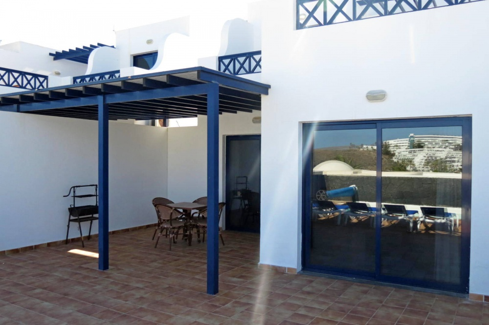 3 bedroom duplex in a sought after area with stunning sea views for sale in Playa Blanca - Playa Blanca - lanzaroteproperty.com