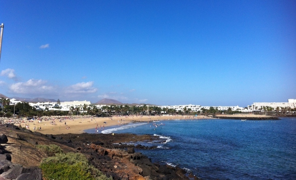 Stunning 2 bedroom 2 bathroom beach house for sale in Costa Teguise - Costa Teguise - lanzaroteproperty.com