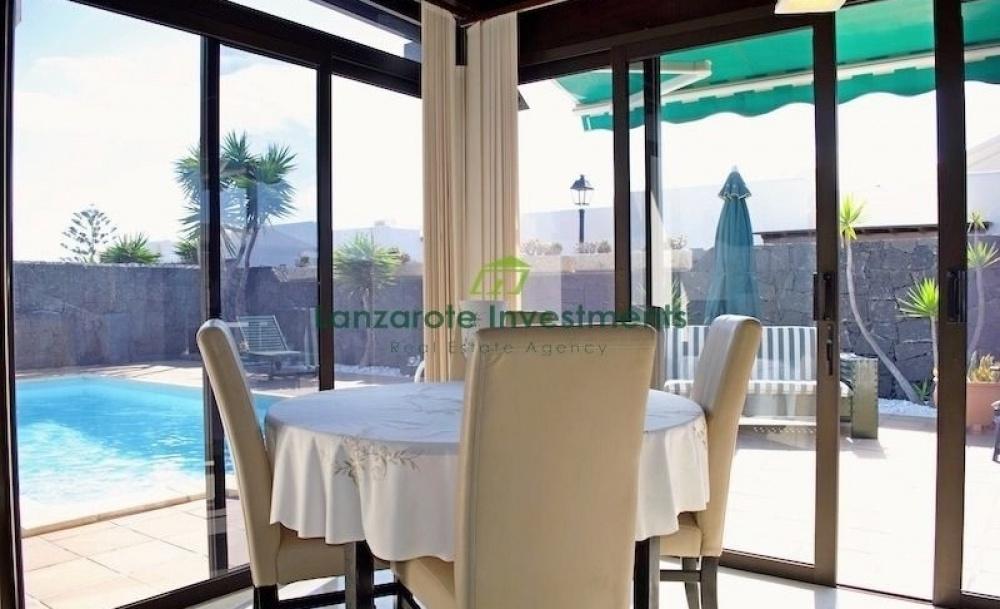 Wonderful 2 bedroom 2 bathroom detached villa with private pool in Playa Blanca - Playa Blanca - lanzaroteproperty.com