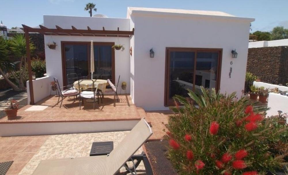 2 Bedroom Villa with sea views in Tias - Tias - lanzaroteproperty.com