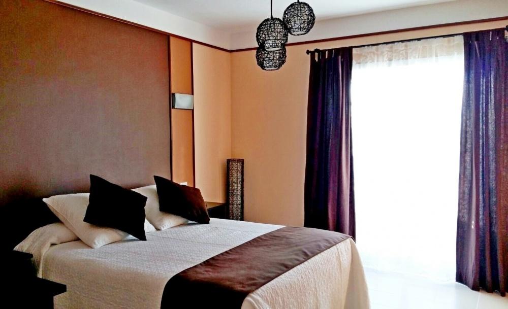 2 bedroom 1 bathroom villa with private pool for sale in Playa Blanca - Playa Blanca - lanzaroteproperty.com