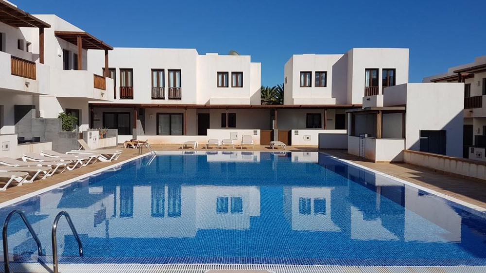 2 Bedroom 2 bathroom duplex with communal pool in Puerto Calero - . - lanzaroteproperty.com
