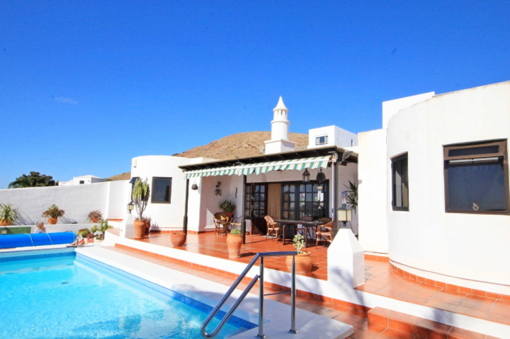 4 bedroom villa with breathtaking views in Nazaret - Nazaret - lanzaroteproperty.com