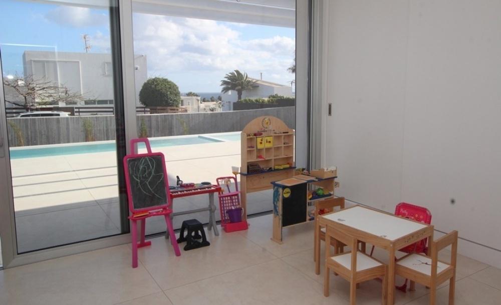 Unique 4 bedroom property set on large plot in La Concha - La Concha - lanzaroteproperty.com