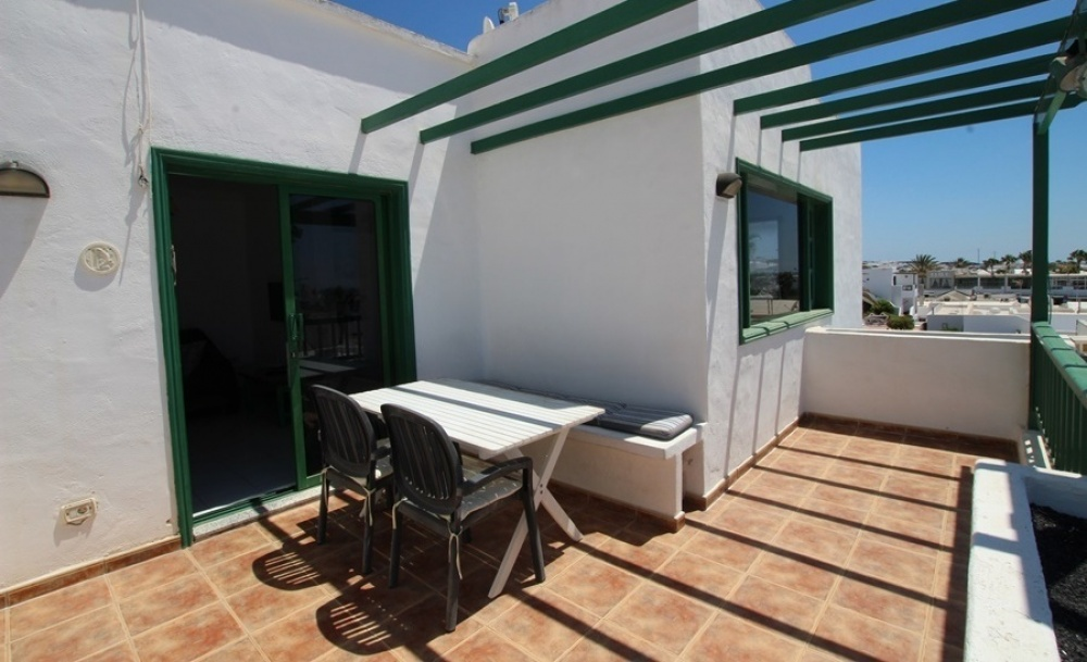 4 Bedroom 2 bathroom property with large terrace in Puerto del Carmen - Puerto del Carmen - lanzaroteproperty.com