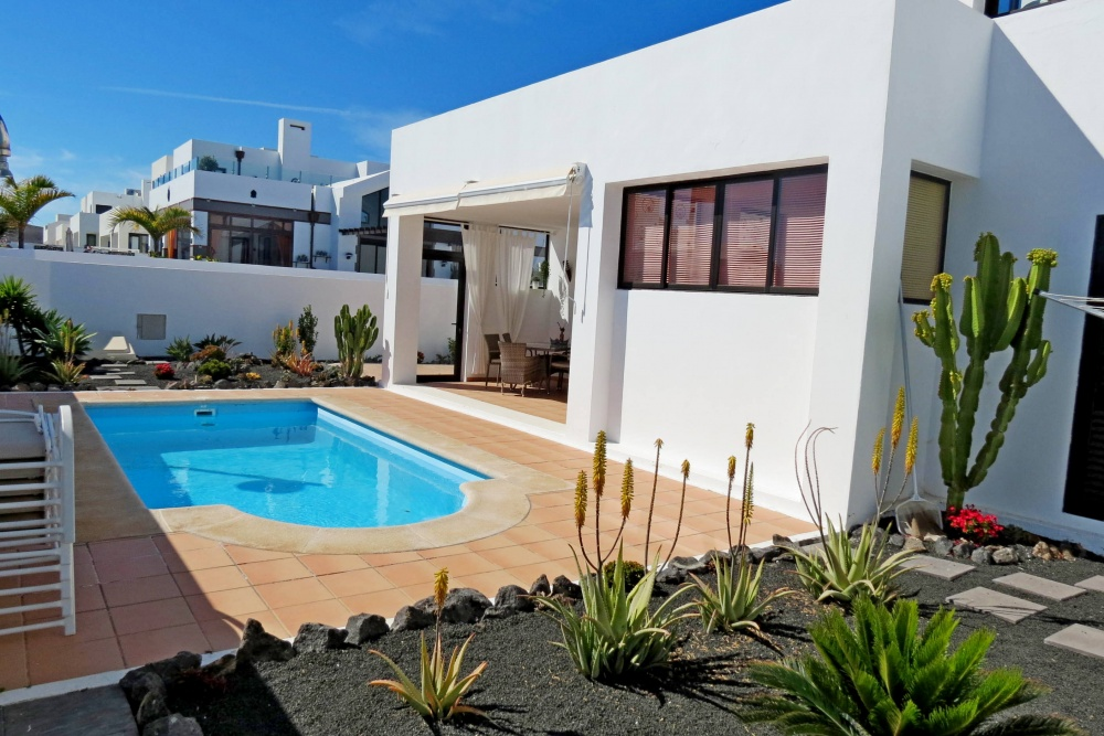 3 bedroom villa with 1 bed annex and private pool in Playa Blanca - Playa Blanca - lanzaroteproperty.com