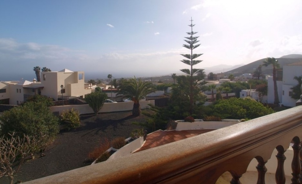 For sale stunning 4 bedroom detached villa in La Asomada - La Asomada - lanzaroteproperty.com