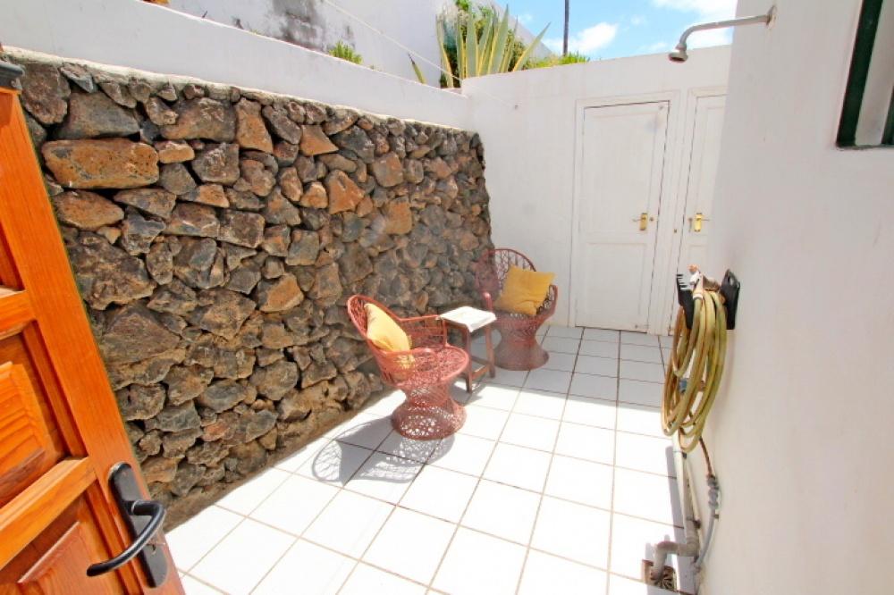 2 Bedroom villa with stunning sea views - Puerto del Carmen - lanzaroteproperty.com