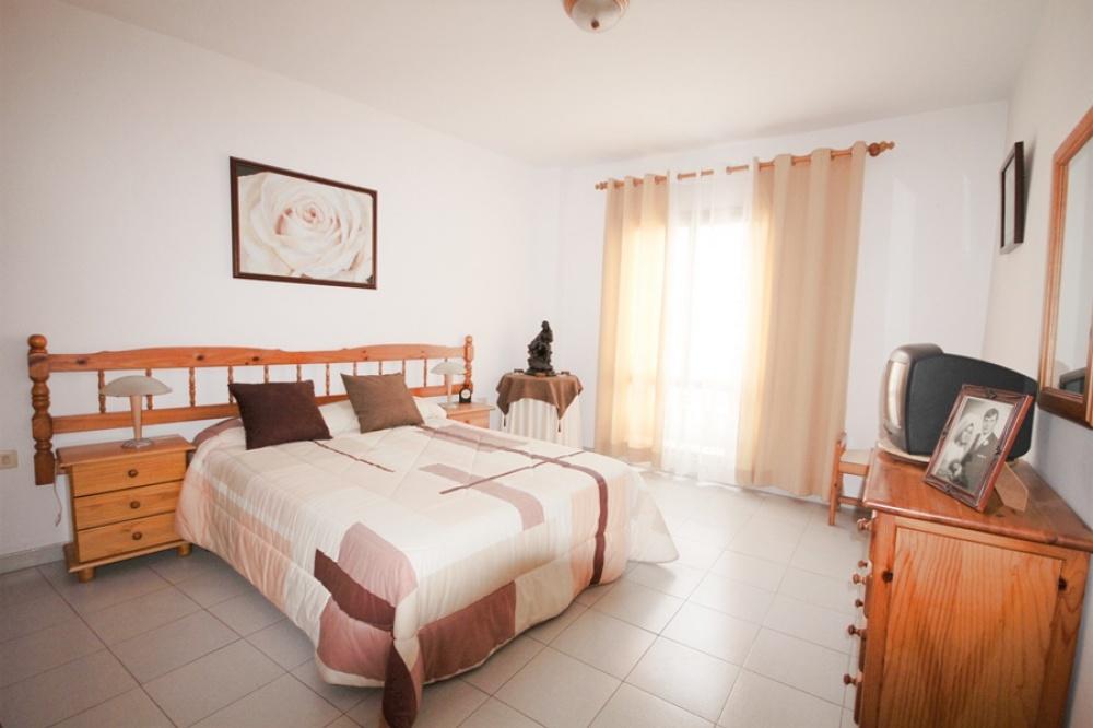 3 Bedroom 2 bathroom apartment beside the main promenade in Arrecife - . - lanzaroteproperty.com