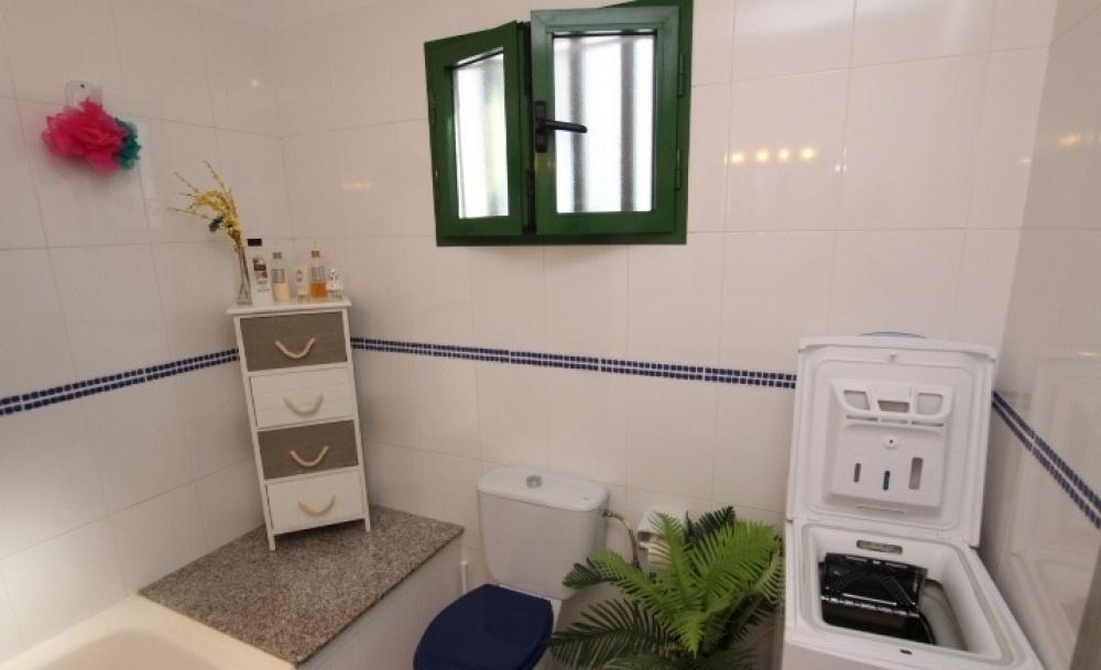 1 Bedroom apartment with sea views for sale in Puerto del Carmen - Puerto del Carmen - lanzaroteproperty.com