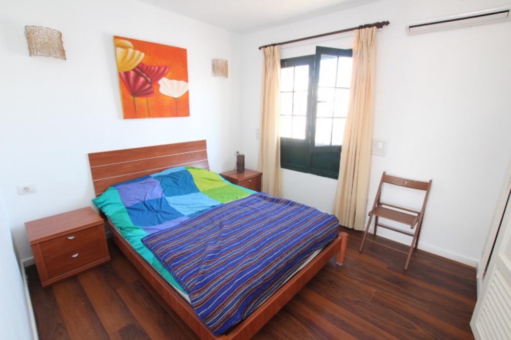 Top floor 1 bedroom apartment for sale in Puerto del Carmen - Puerto del Carmen - lanzaroteproperty.com