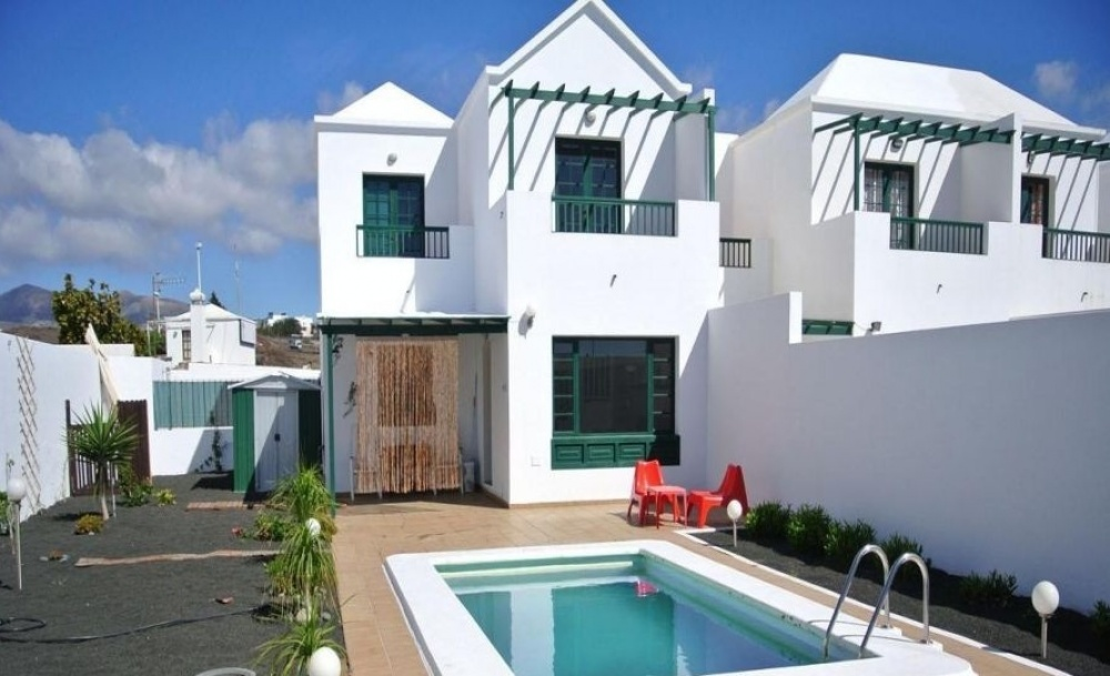 3 Bedroom Villa with Private Pool in Puerto del carmen - Puerto del carmen - lanzaroteproperty.com