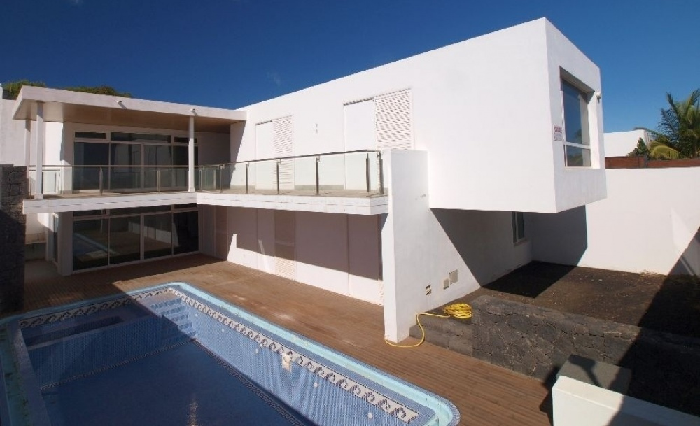 Brilliant Brand New Villa with Private Pool and Sea Views for Sale - Puerto Calero - lanzaroteproperty.com