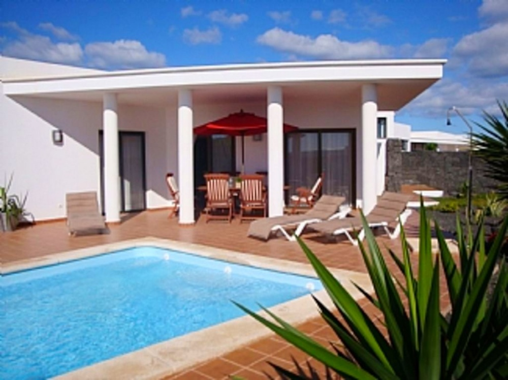 Great investment opportunity on private, gated community in Playa Blanca - . - lanzaroteproperty.com