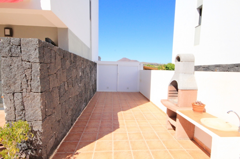 3 bedroom house with communal pool for sale in Costa Teguise - Costa Teguise - lanzaroteproperty.com