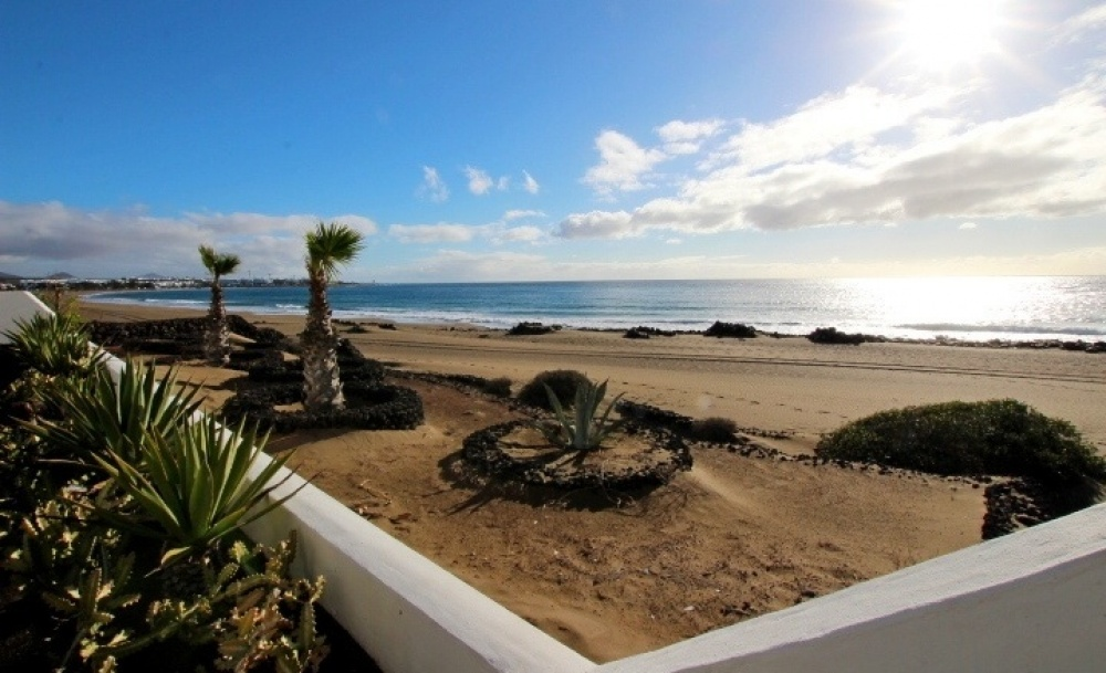Ground floor 2 bedroom 2 bathroom apartment in Puerto del Carmen - Puerto del Carmen - lanzaroteproperty.com