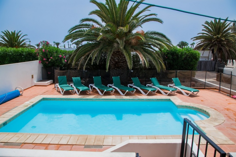 4 bedroom villa with private pool for sale in Playa Blanca - Playa Blanca - lanzaroteproperty.com