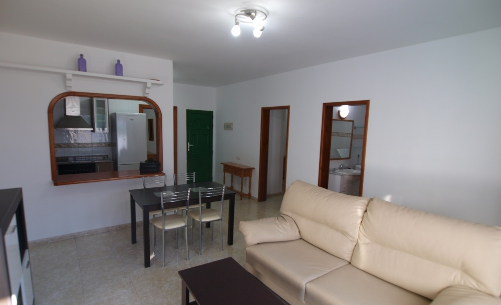 Lovely 2 bedroom apartment with garden for sale in Puerto del Carmen - Puerto del Carmen - lanzaroteproperty.com